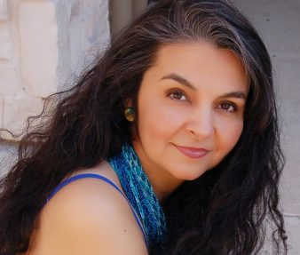 Headshot Amparo Garcia-Crow