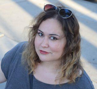 Headshot Tanya Saracho